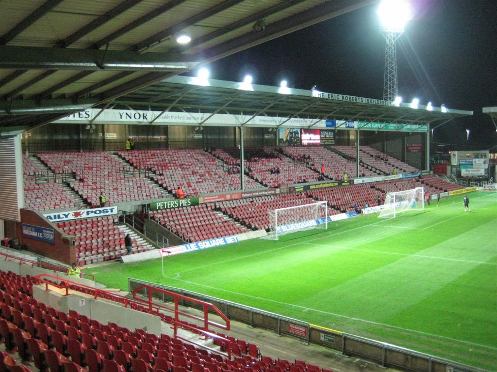 Racecourse Ground_2010_02