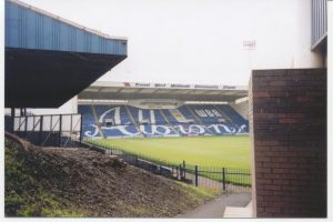 the-hawthorns_2000_01